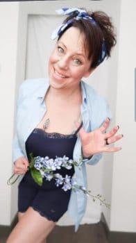 Sonja van beautysome test het broekje en hemdje van Upsa!